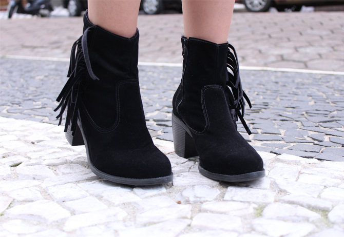 5- bota franjas