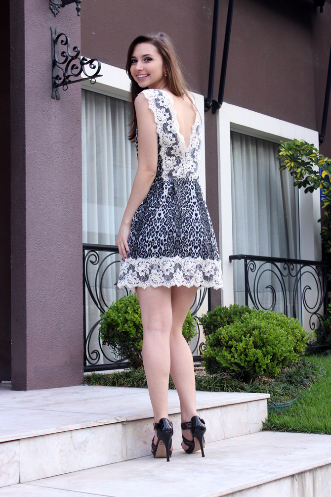 5- look vestido animal print com renda