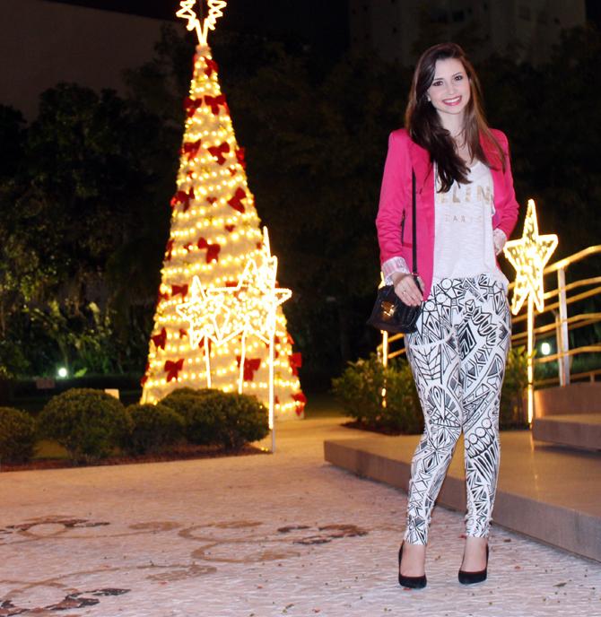 2- look do dia blazer pink e calça estampa geométrica