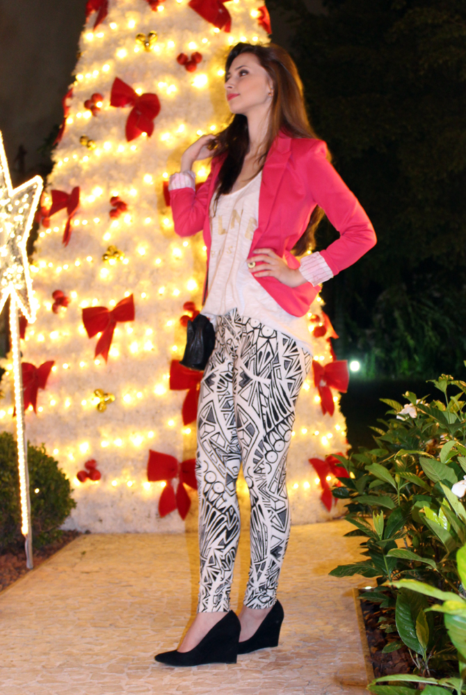 8- look do dia blazer pink e calça estampa geométrica