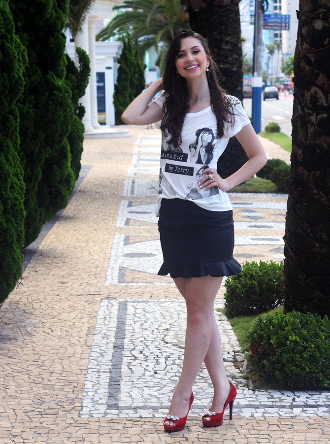 1- look do dia t-shirt com perolas