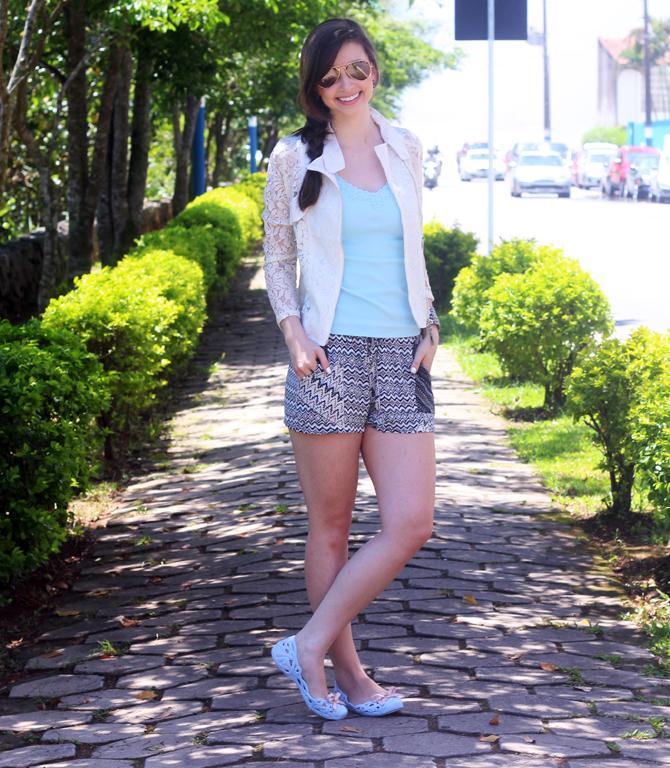 2- look do dia sapatilha zaxy shorts étnico casaco renda sempre glamour jana taffarel