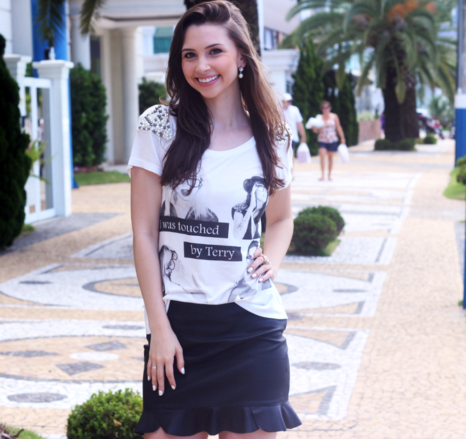 4- look do dia t-shirt com perolas