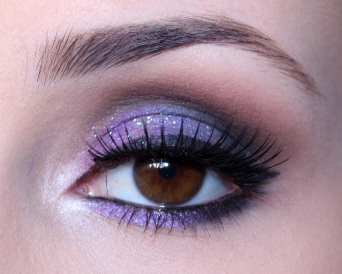02 - maquiagem colorida com roxo e azul