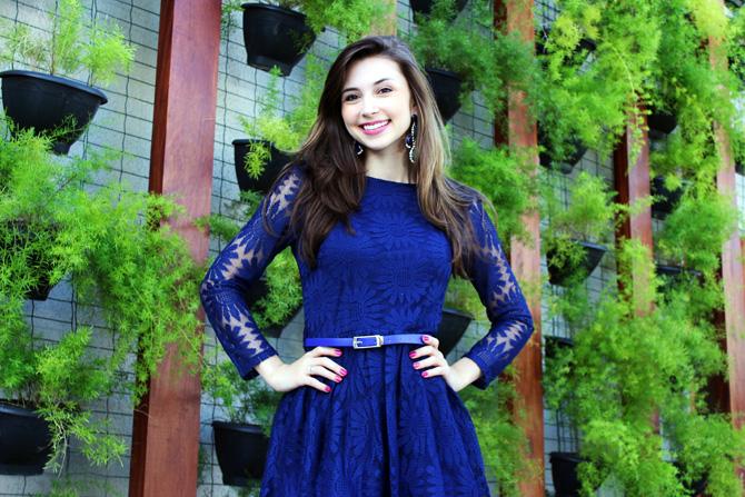 02 - look com vestido de renda azul blog sempre glamour