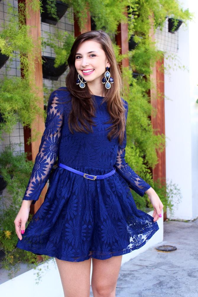 03 - look com vestido de renda azul blog sempre glamour