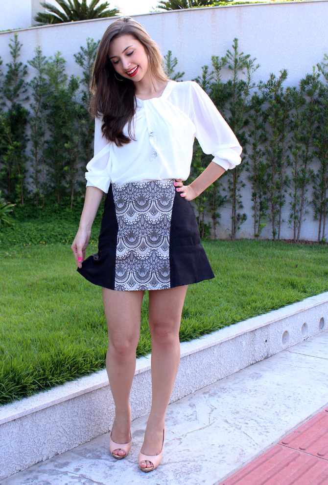 05 - look do dia - camisa branca e saia estampa tapeçaria