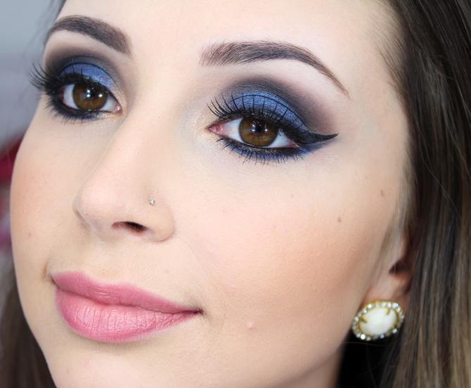 07 - maquiagem azul marcante