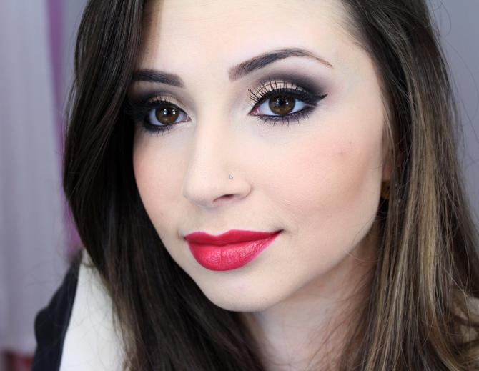 http://www.sempreglamour.com.br/wp-content/uploads/2014/06/05-maquiagem-para-o-inverno-2014-com-paleta-koloss.jpg