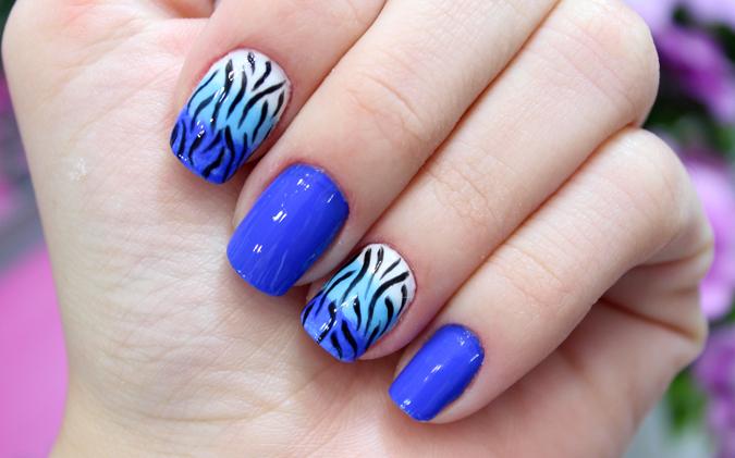 01 ombré nails azul com zebra