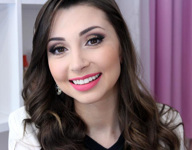 01 - maquiagem elegante com batom rosa