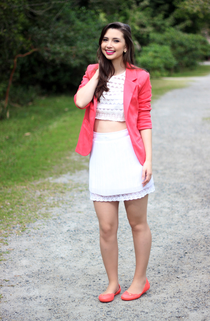 02 - look do dia blazer coral e top cropped