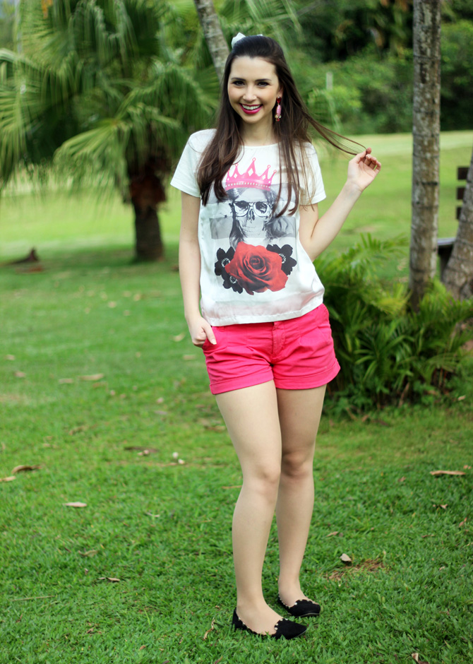 02 - look do dia shorts rosa e t-shirt