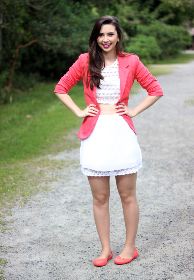 03 - look do dia blazer coral e top cropped