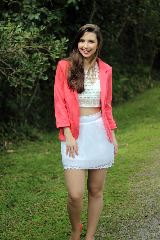 04 - look do dia blazer coral e top cropped sg