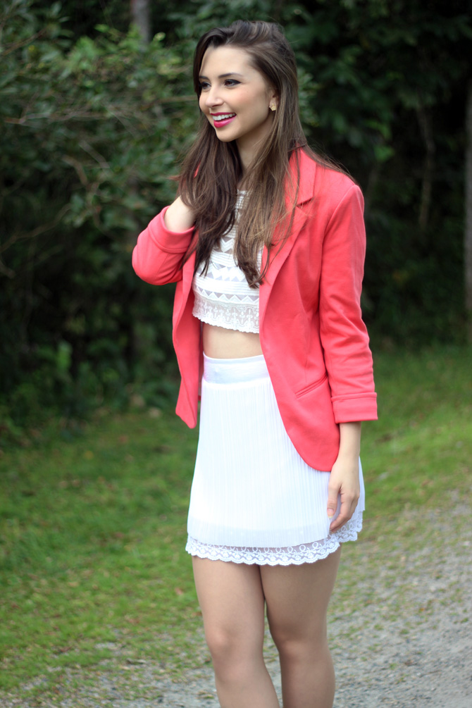 05 - look do dia blazer coral e top cropped