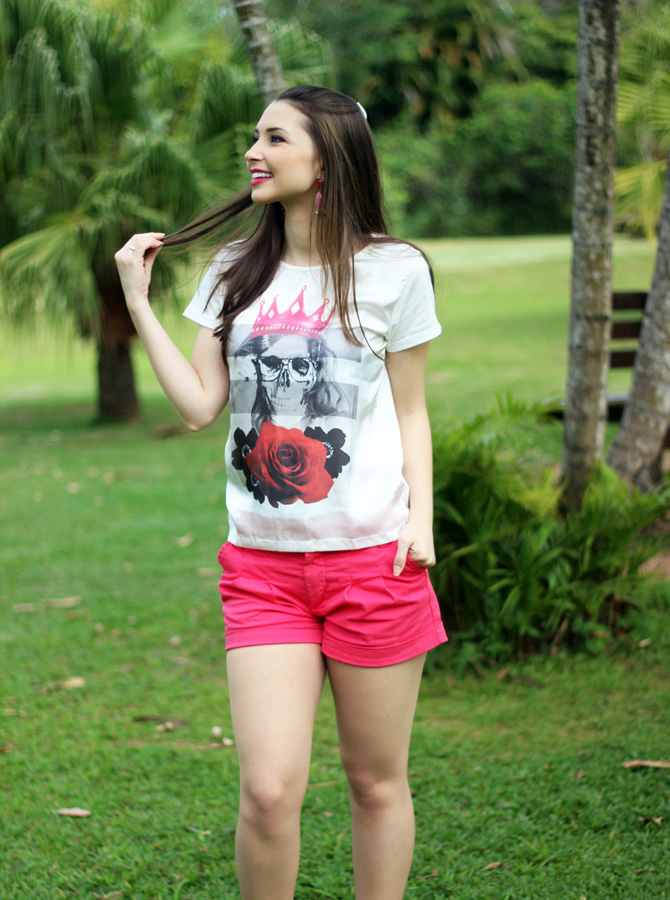 06 - look do dia shorts rosa e t-shirt