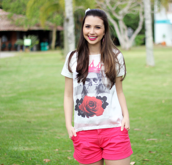 07 - look do dia shorts rosa e t-shirt