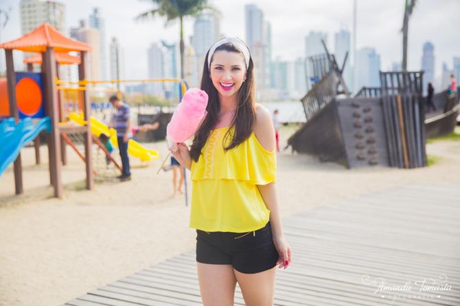 02 - look blusa amarela parque barra sul balneário camboriú