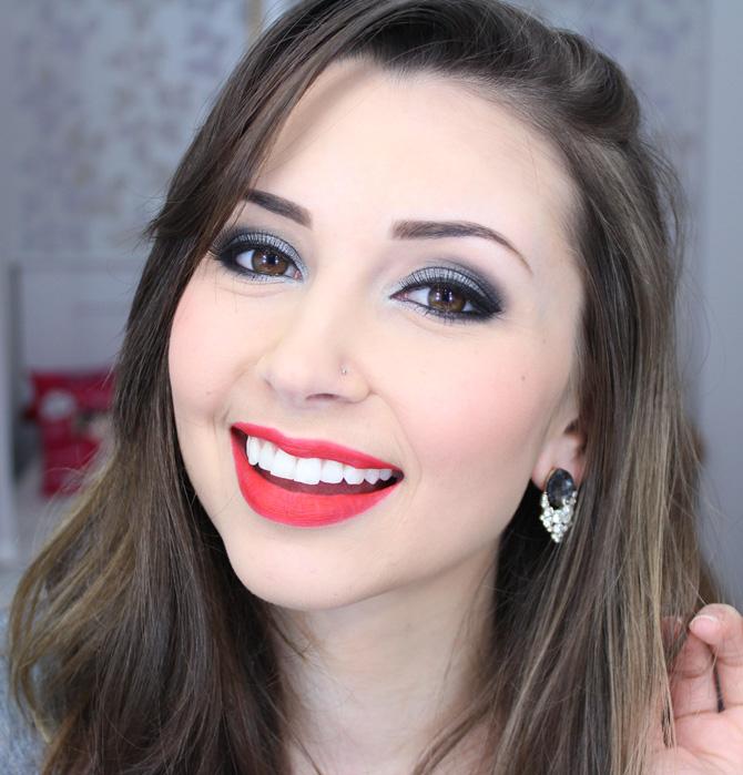 04 - maquiagem prata com batom vermelho