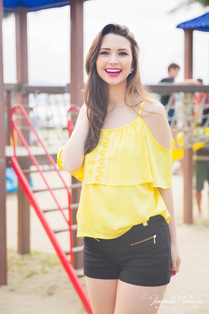 09 - look blusa amarela parque barra sul balneário camboriú