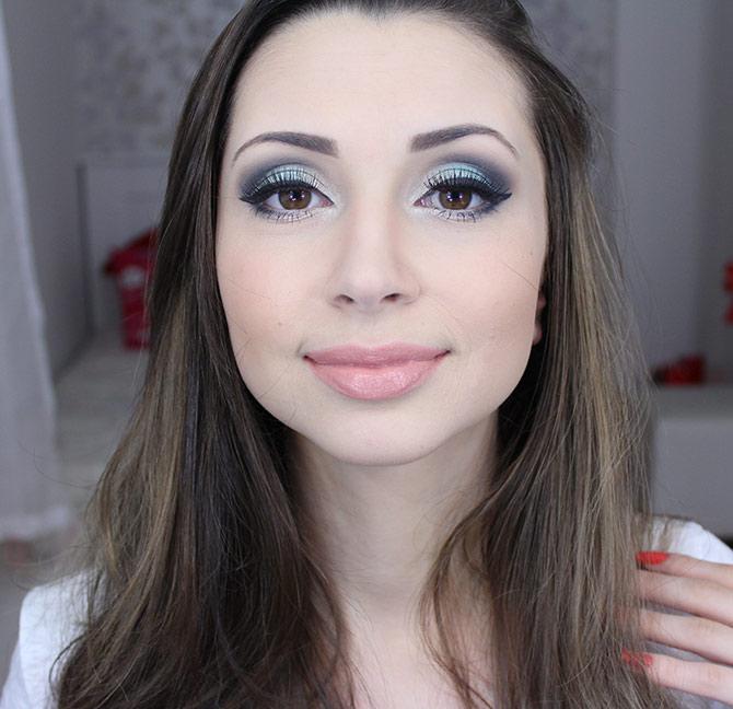 02-maquiagem-azul-claro-para-a-noite-sempre-glamour