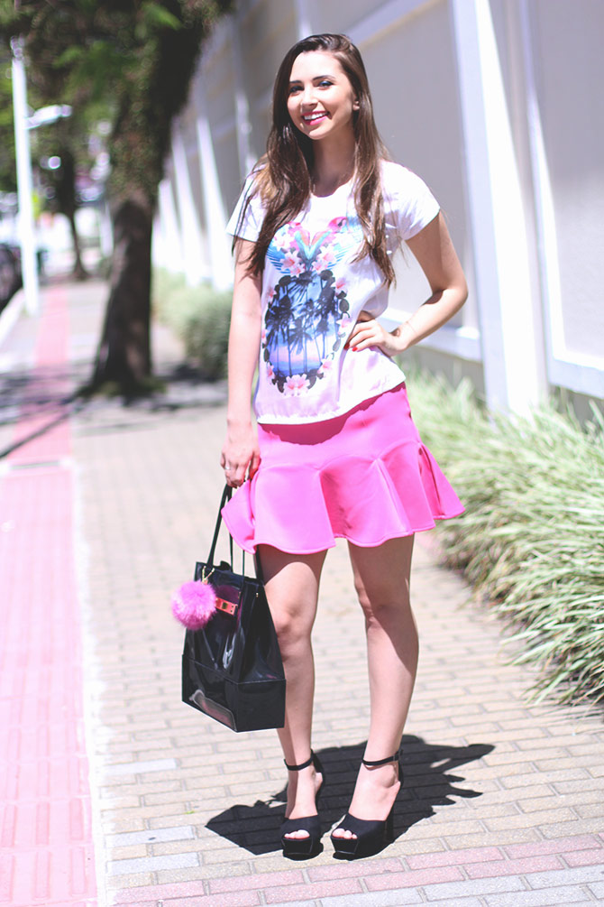 03-saia-pink-e-tshirt-estampa-tropical