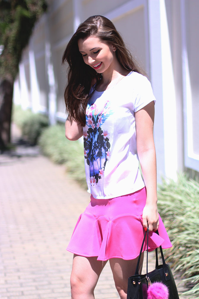 05-saia-pink-e-tshirt-estampa-tropical