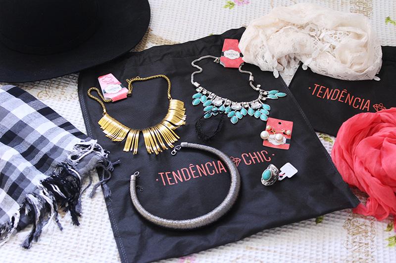 1-como usar maxi colar, lenço e chápeu tendência chic blog jana taffarel