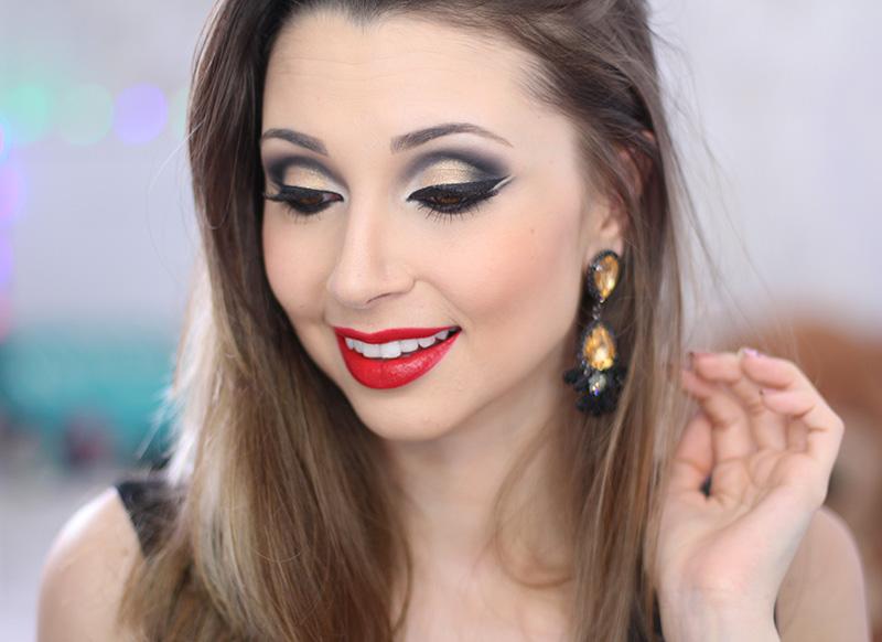 3-maquiagem dourada com batom vermelho