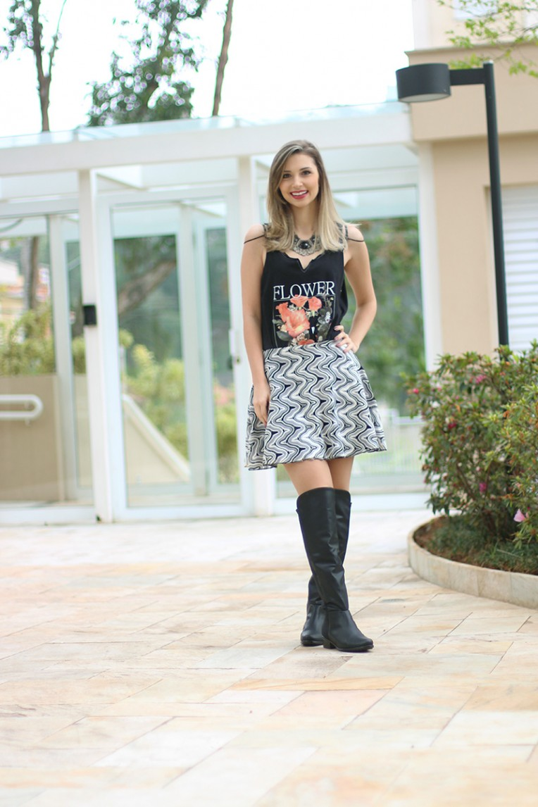 1-look do dia saia bota over the knee e blusa pkd concept