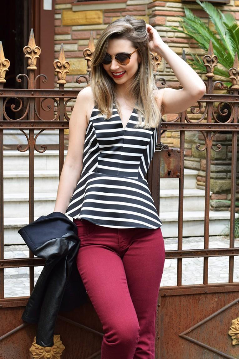 2-look do dia com calça flare e blusa listrada