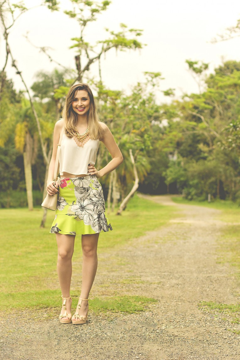 2-look do dia saia estampada colcci