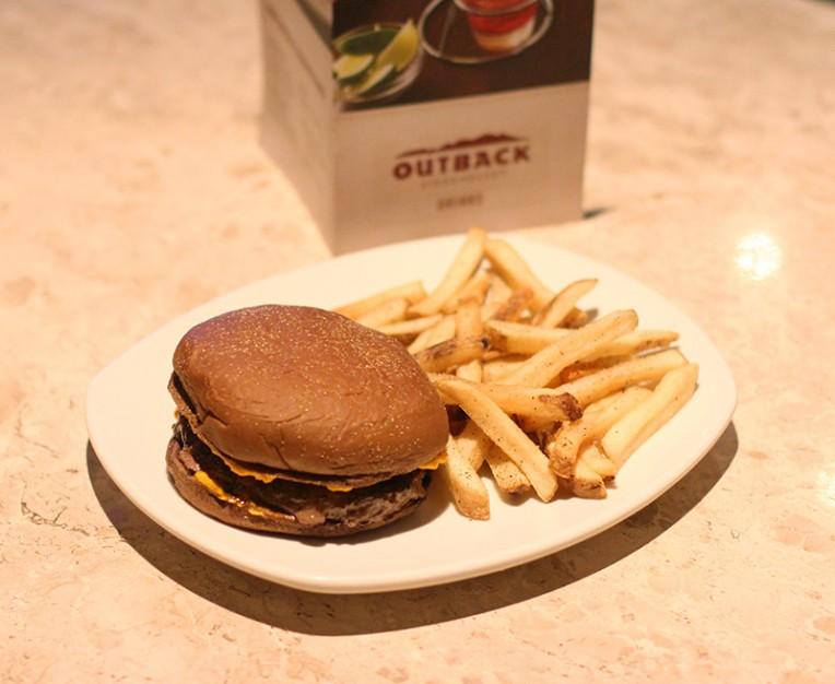 2-novos hamburgueres outback-Ned Kelly Cheddar Burger