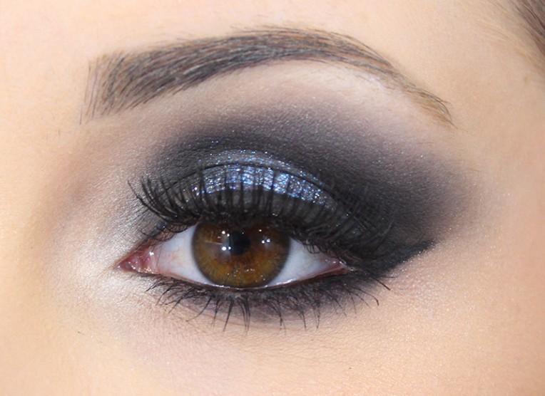 1-maquiagem para festa com pigmento azul