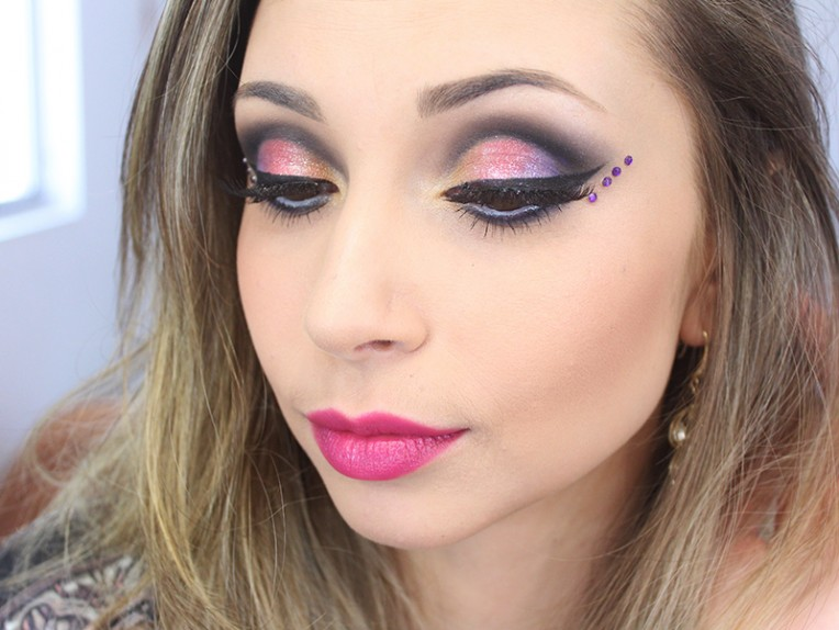 2-maquiagem colorida para o carnaval 2016
