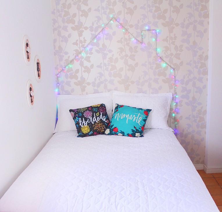 1-cabeceira de pisca pisca em forma de casa - decoração de quartos