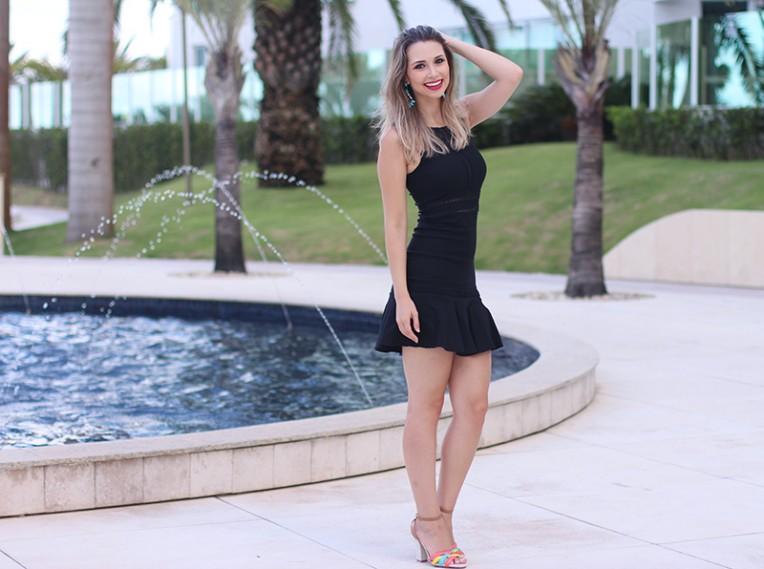 2-vestido preto com transparência naguchi jana taffarel