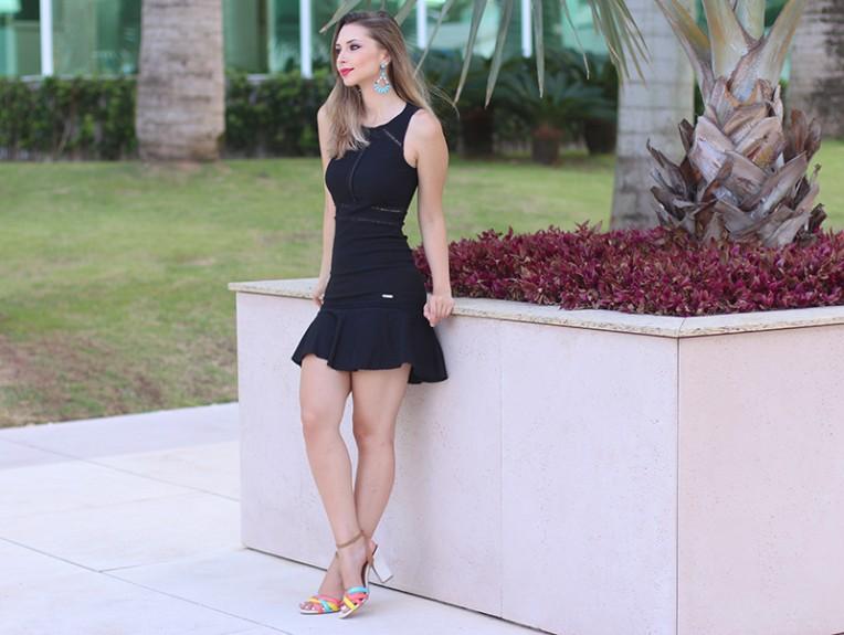 3-vestido preto com transparência naguchi jana taffarel