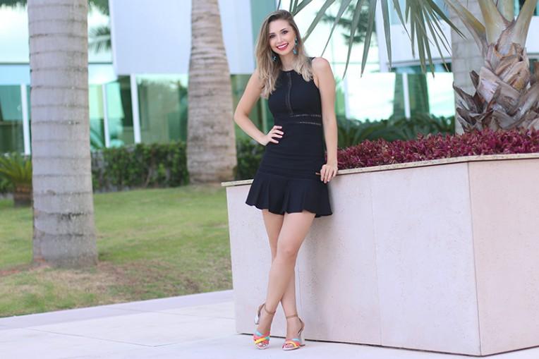 4-vestido preto com transparência naguchi jana taffarel