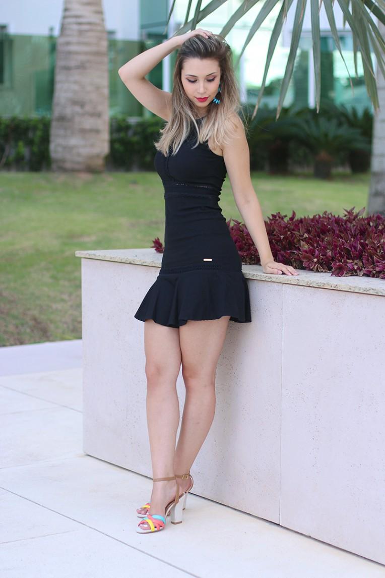 5-vestido preto com transparência naguchi jana taffarel