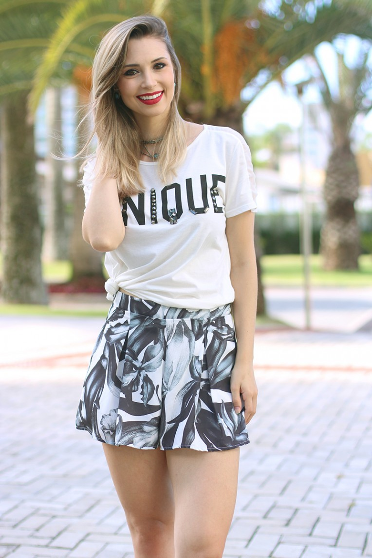 7-look unique tshirt e shorts