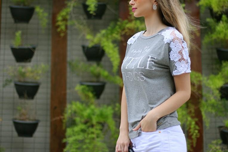 10-blusa cinza com renda branca