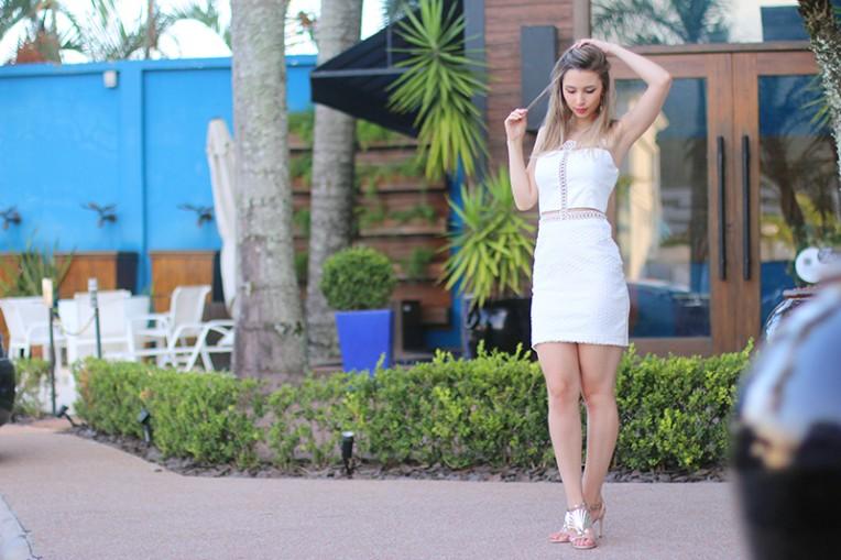 2-vestido branco com transparência
