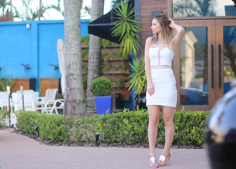 3-vestido branco com transparência