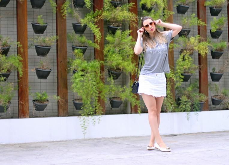 4-blusa cinza com renda branca