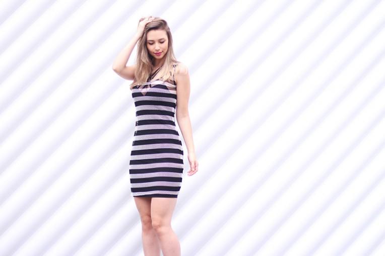 4-vestido listrado com strappy
