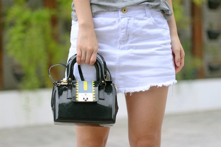 8-blusa cinza com renda branca