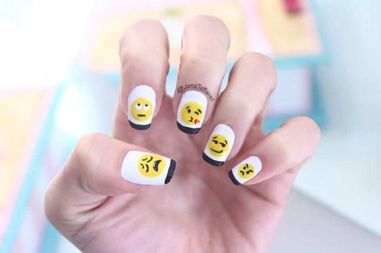 unhas decoradas de emoji2